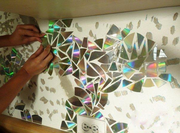 Мозаика на стену из дисков своими руками