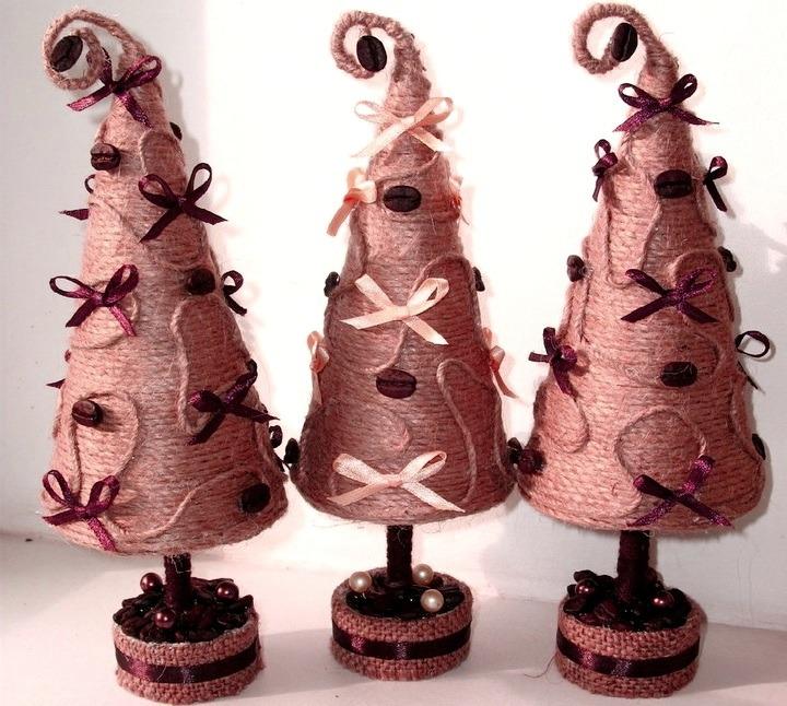 елки из шпагата
