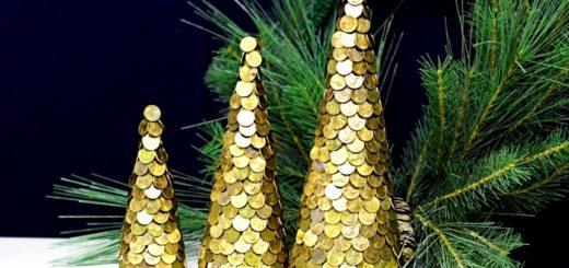 елки из монет