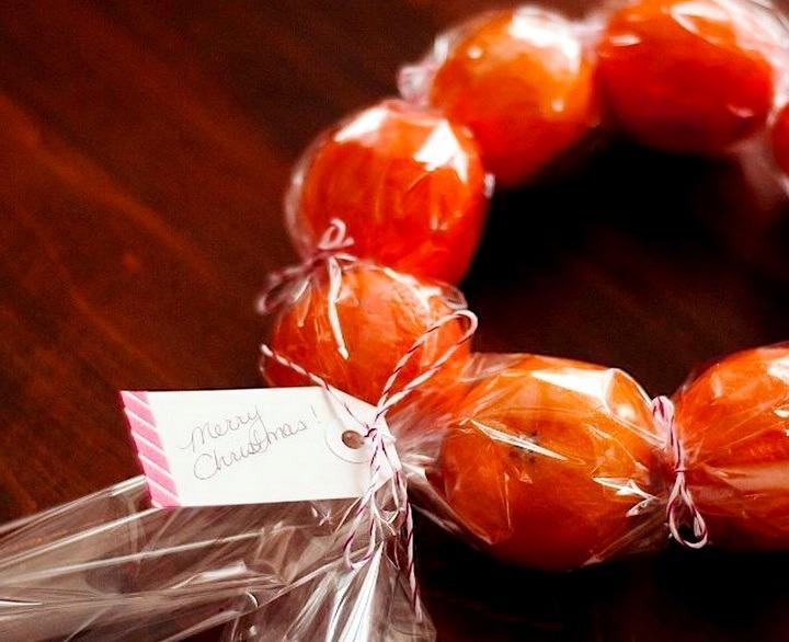 венок из мандаринов