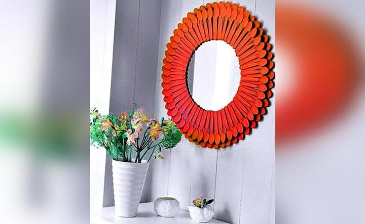 зеркало с ложками