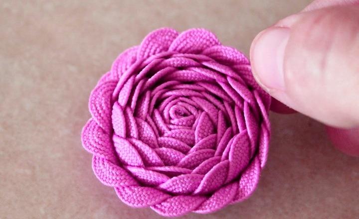 цветок из тесьмы
