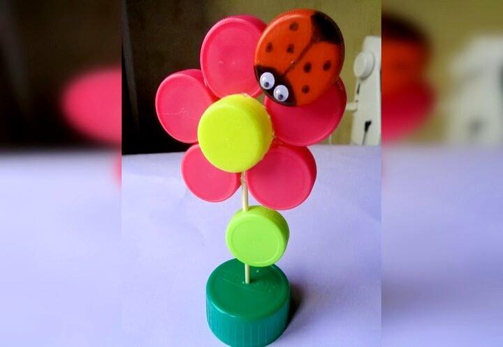 цветок из пробок