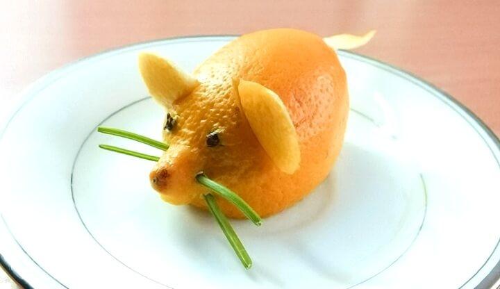 мышка из лимона