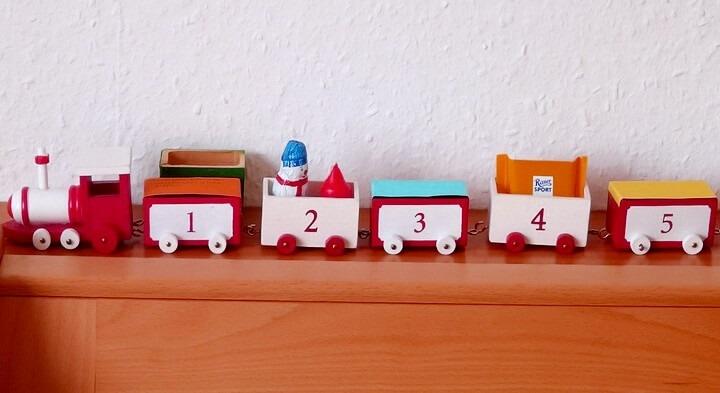 паровозик-календарь