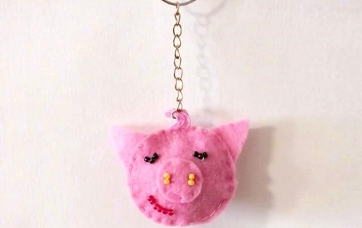 свинья-брелок