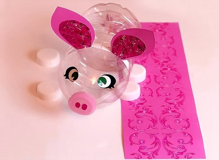 свинка из бутылки
