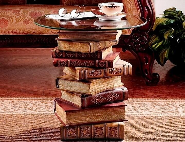 столик из книг