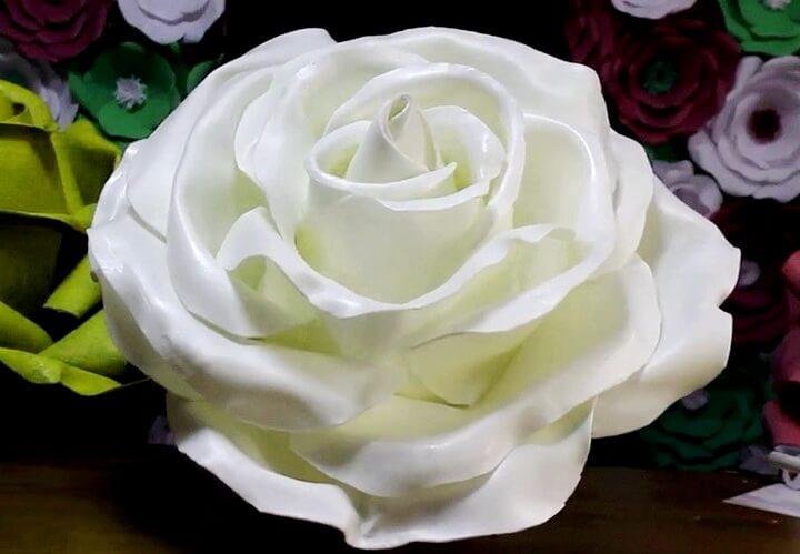 podelki-iz-izolona-svoimi-rukami Делаем сами невянущую розу из изолона